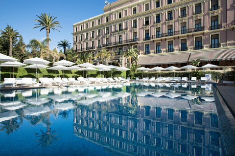Royal-Riviera Hotel poolside