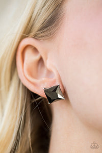 Paparazzi Post Earrings The Big Bang - Princess Cut