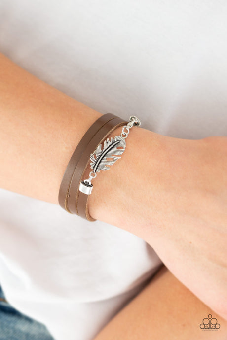 Paparazzi Bracelet High Spirits - Feather and Leather