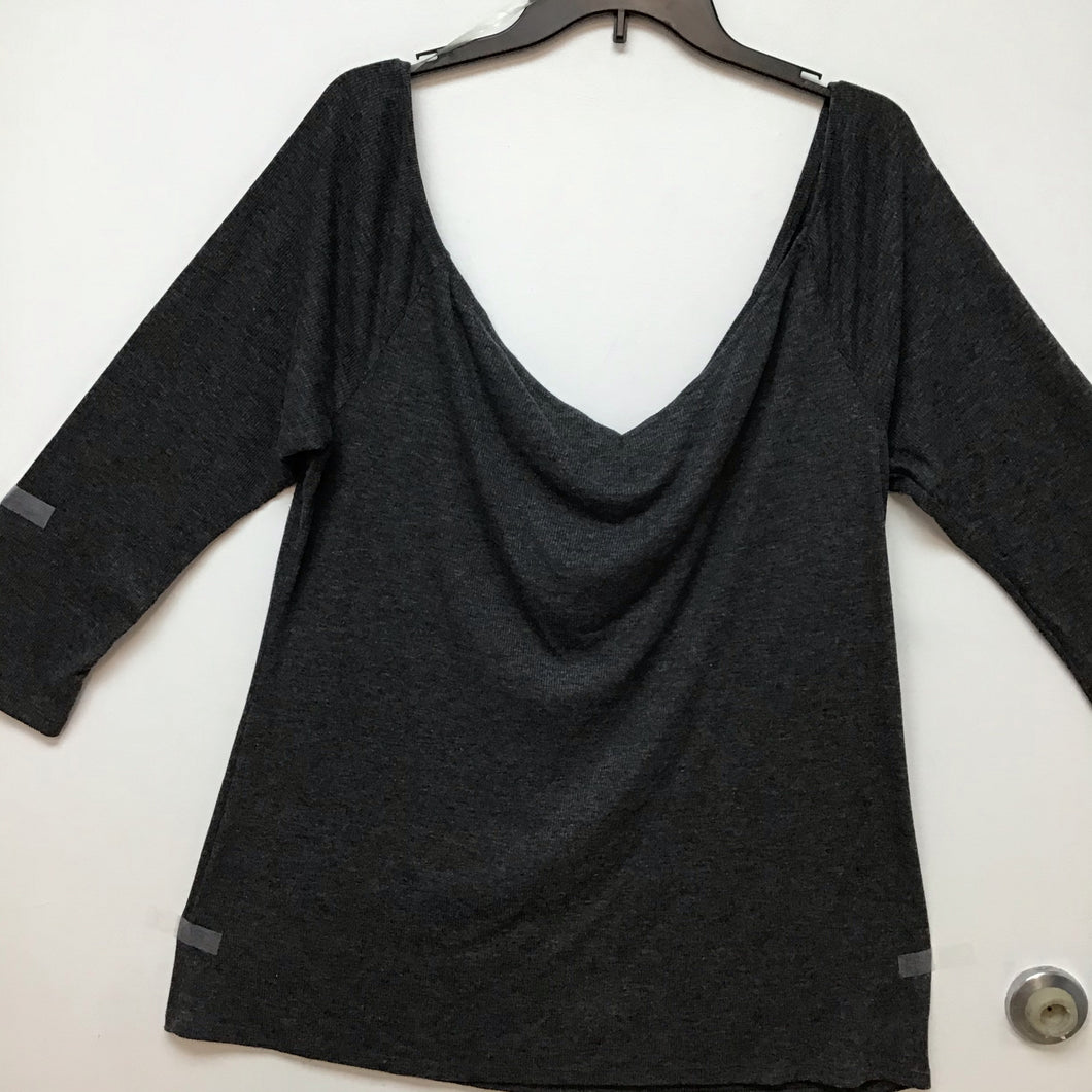 Old navy charcoal top size XXL