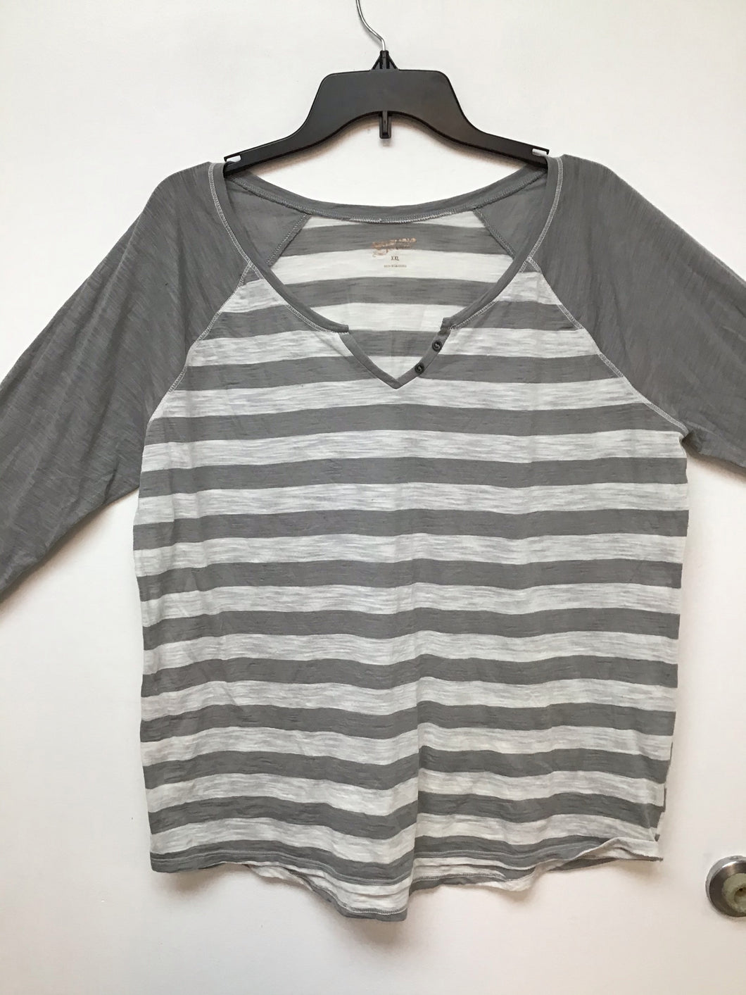 Arizona light gray and white striped top size XXL