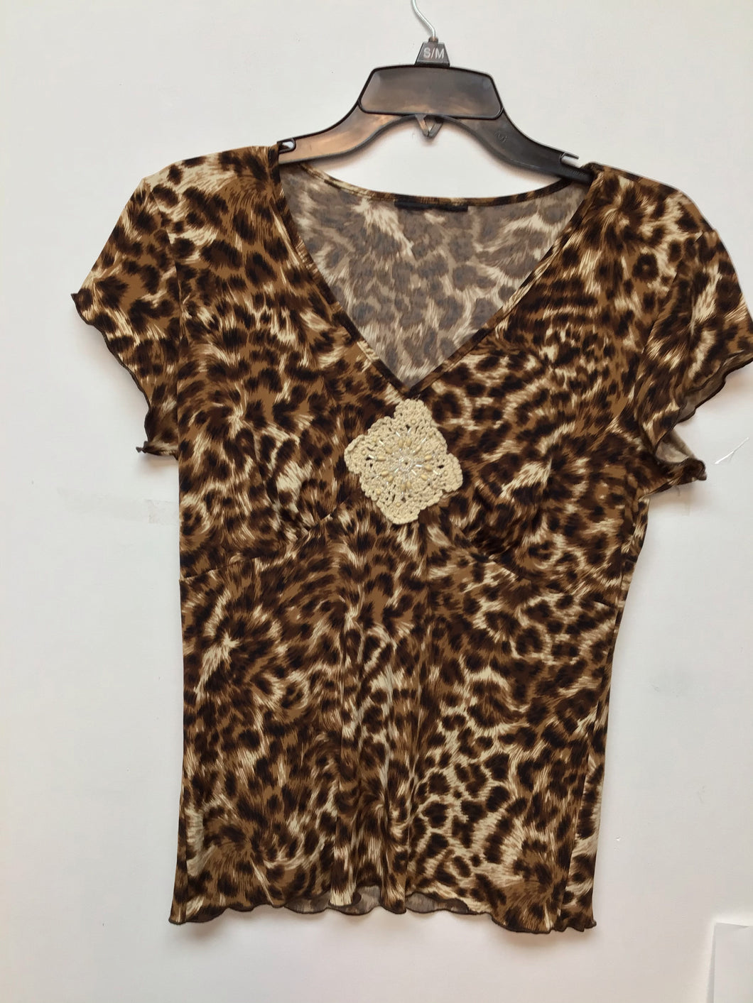 Unbranded leopard print top size medium