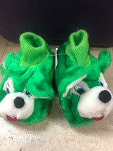 Kids Slippers - Size 9/10