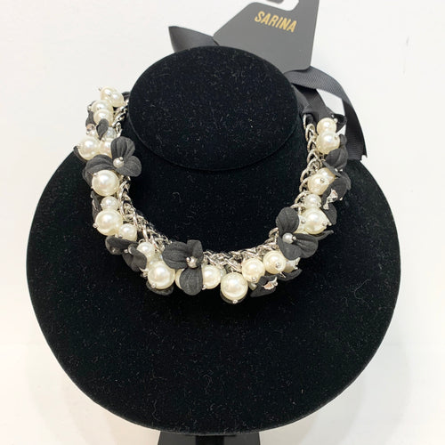 Sarina Floral & Pearl Necklace