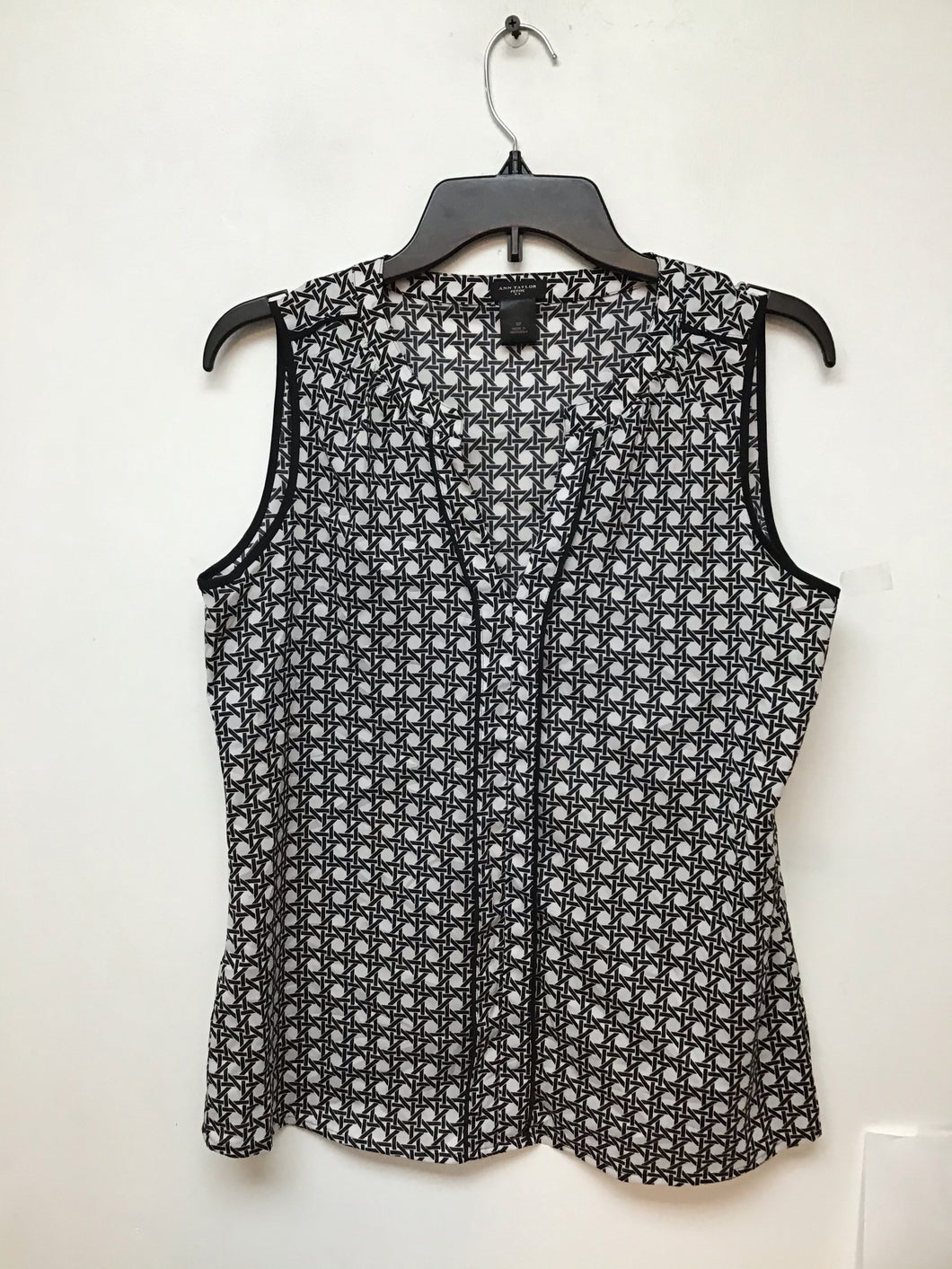 Ann Taylor white with black print size small