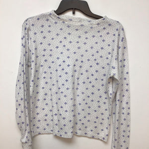 Un branded long sleeve top snowflakes print size small
