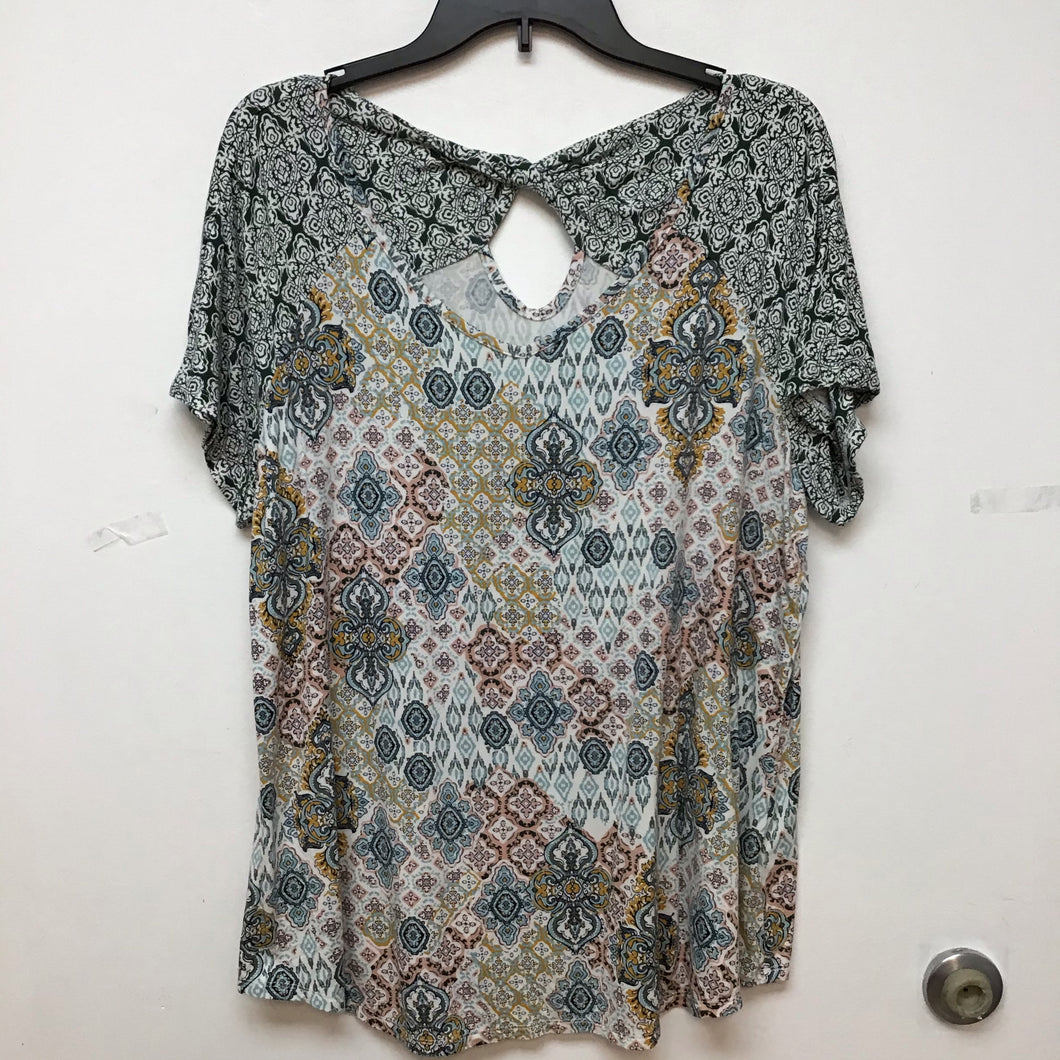 DD pastel colored printed top size 2X