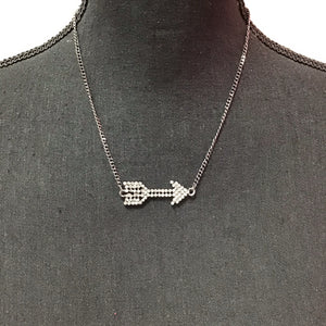 Sarina necklace with rhinestone arrow