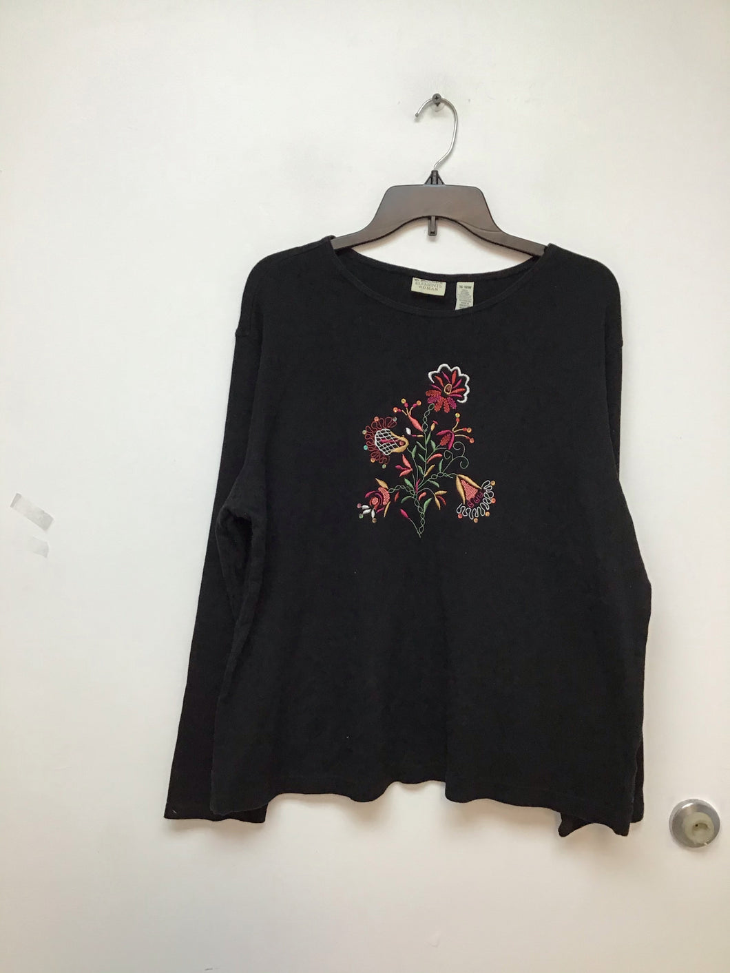Elements woman black long sleeve shirt with floral print size 18/20w