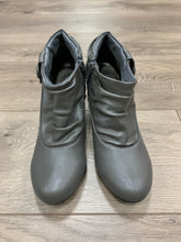Apostrophe Booties - Gray
