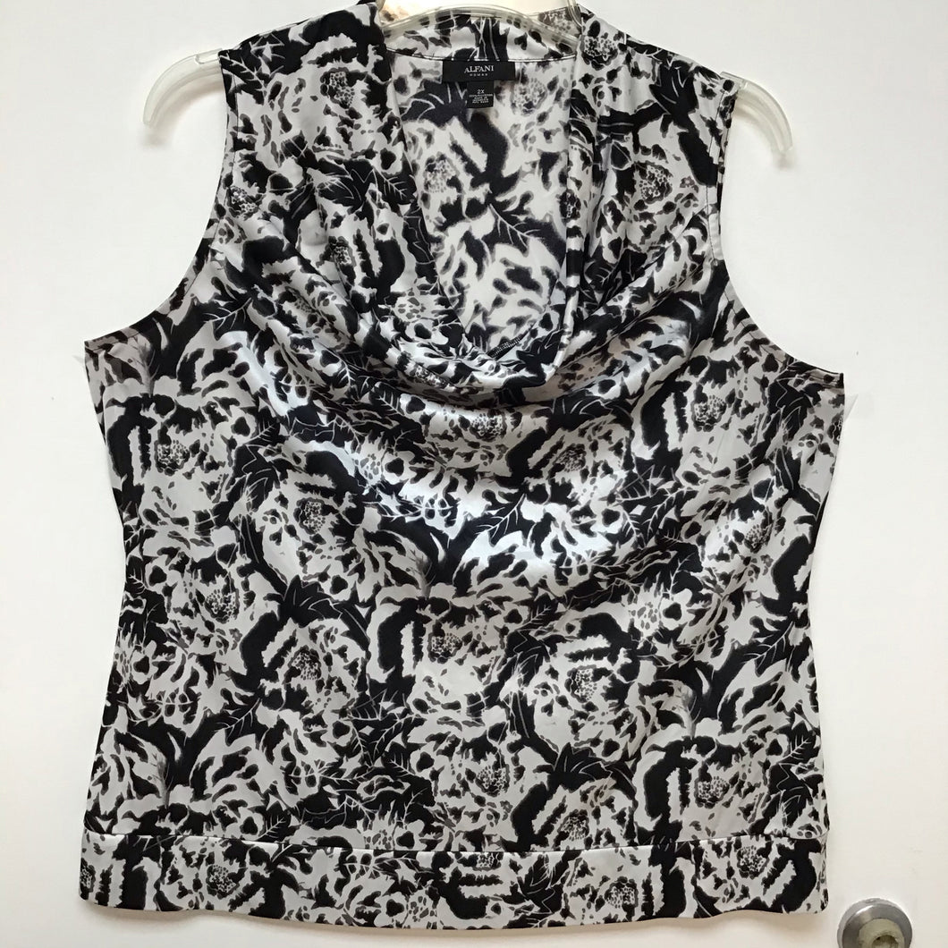 Alfani woman black and white floral print scoop neck blouse size 2X