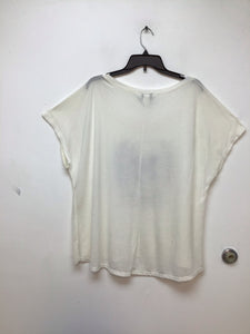 Torrid white top with skull design in front size 2