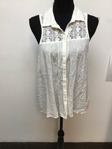 American Eagle Outfitters cream color sleeveless blouse size medium