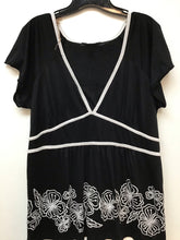 Deluxe LA Blues black blouse with white designs size 18/ 20