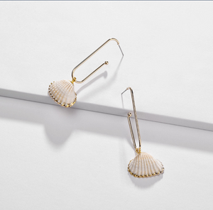 Gold-Dipped Scallop Hanging Earrings