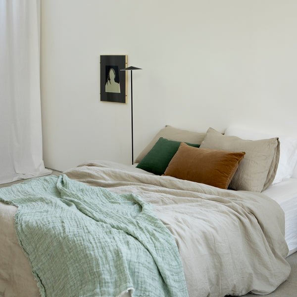DOUBLE FACE THROW, LIGHT GREEN/WHITE