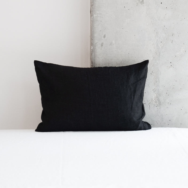 SMALL CLASSIC DECORATIVE PILLOWS