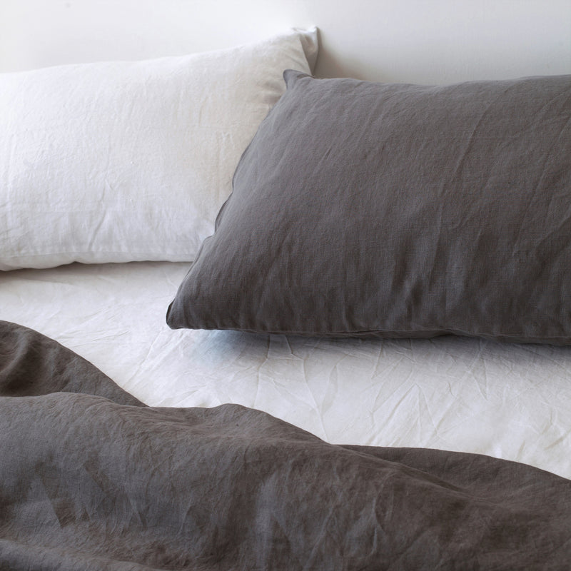 CLASSIC PILLOWCASES, CHARCOAL
