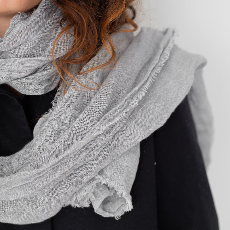 SCARF, LIGHT GRAY