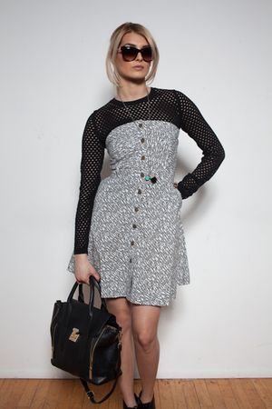 TEAR-AWAY BLACK&WHITE PATTERNED DRESS