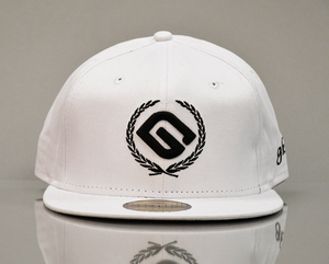 for best baseball caps at low price you are at the right place. Buy 6 panel classic time 100% acrylic White Baseball Cap Mens, at best price.