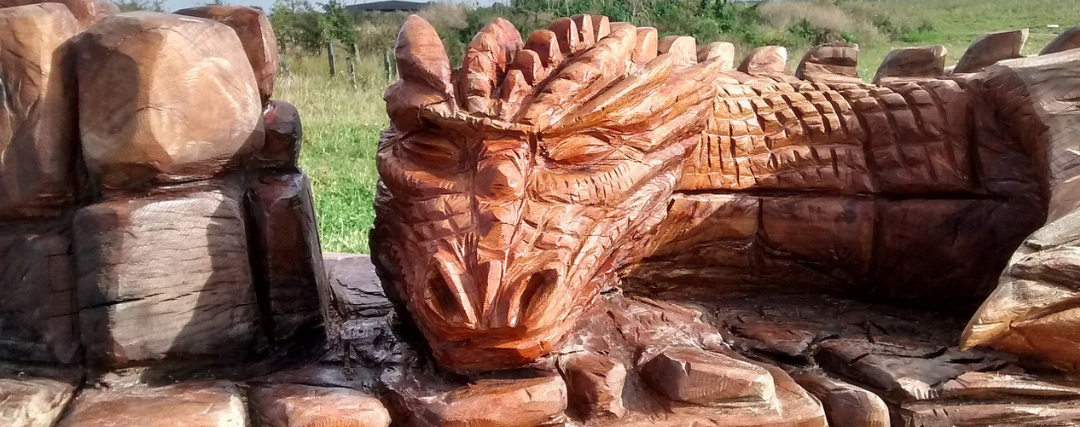 grande sculpture de dragon