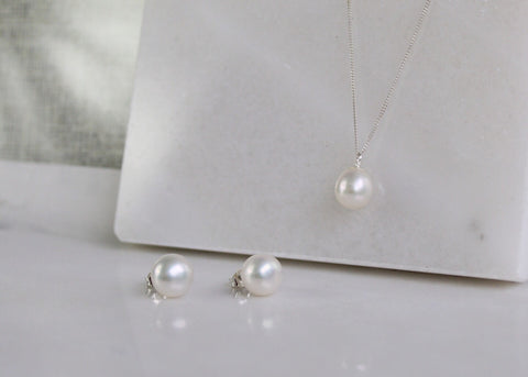 Freshwater Pearl Earrings - White