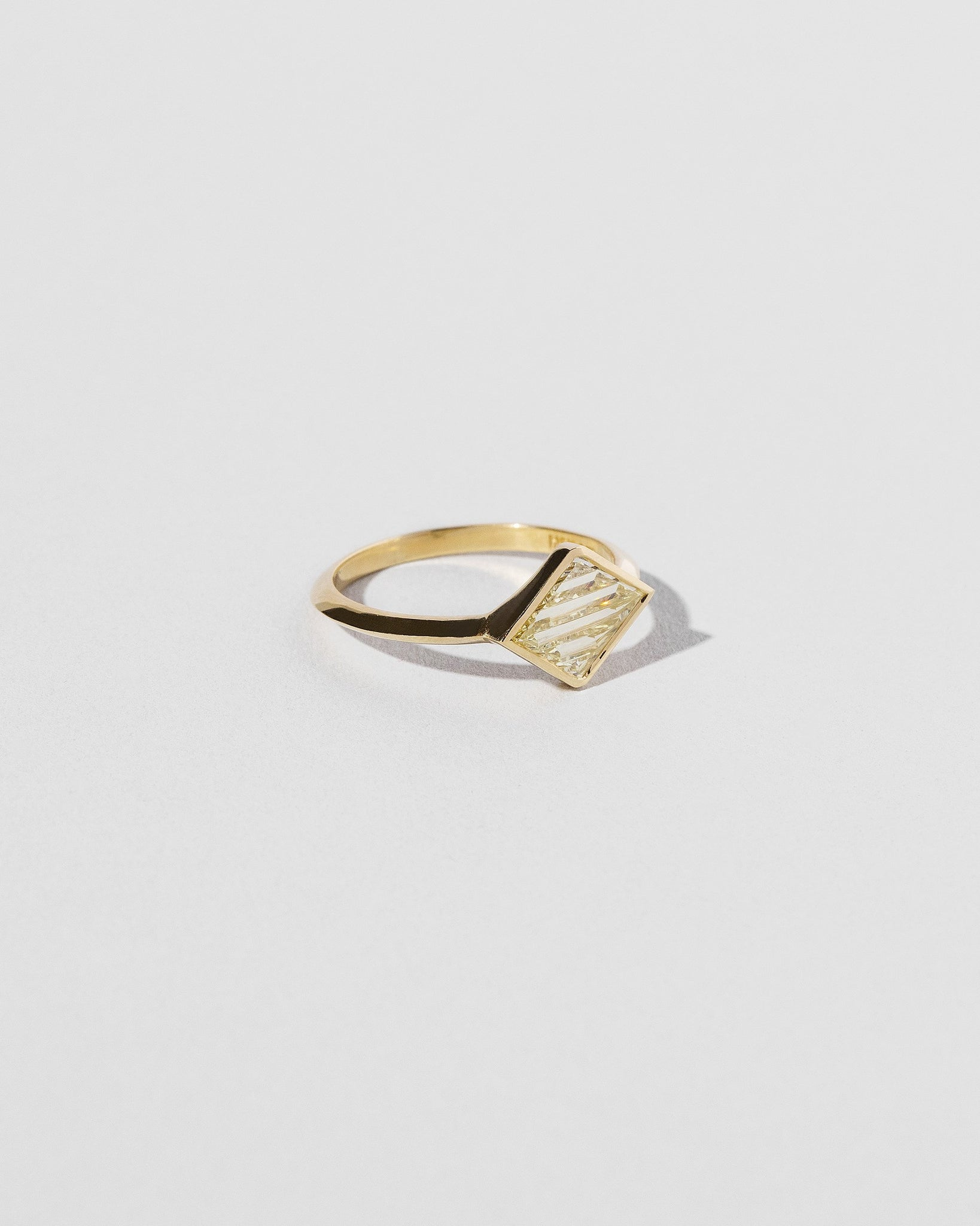 Aidos Ring left side view