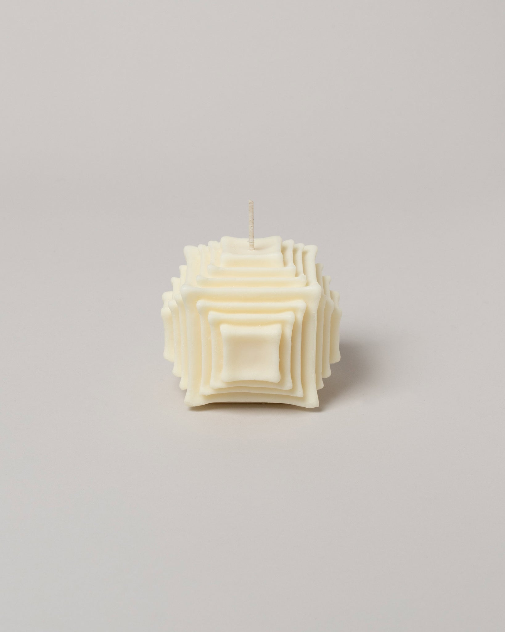 Andrej Urem Hara Candle front facing