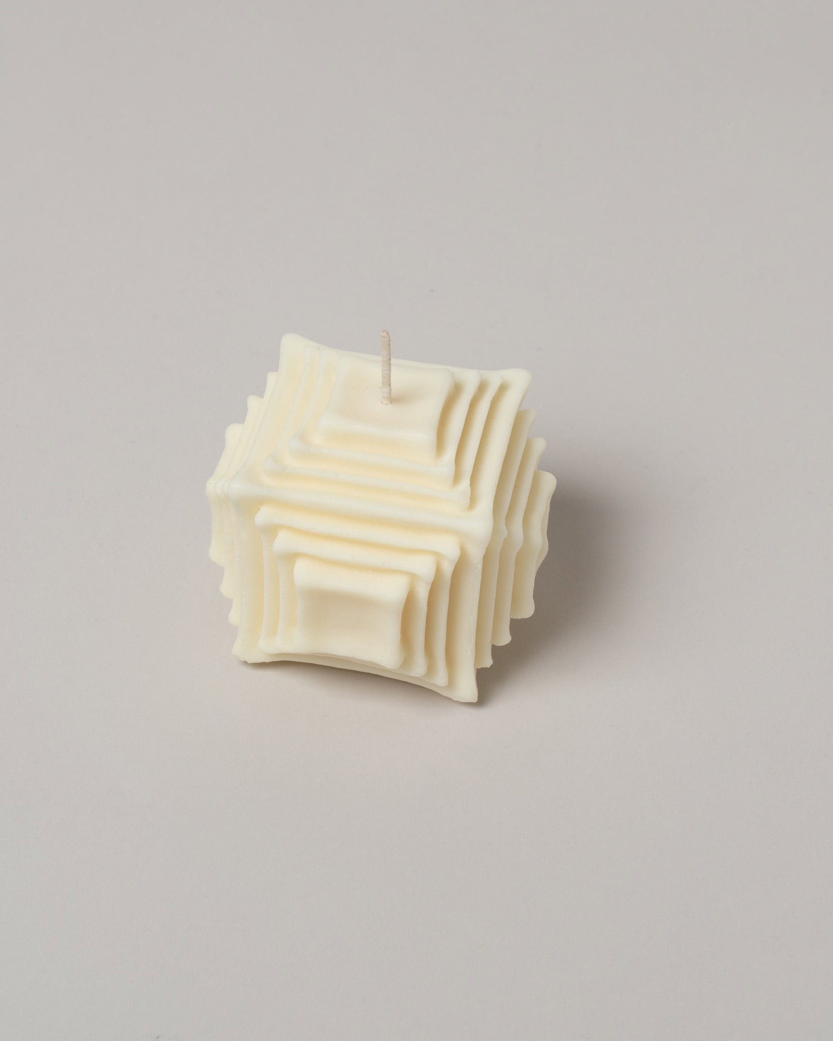 Andrej Urem Hara Candle top view