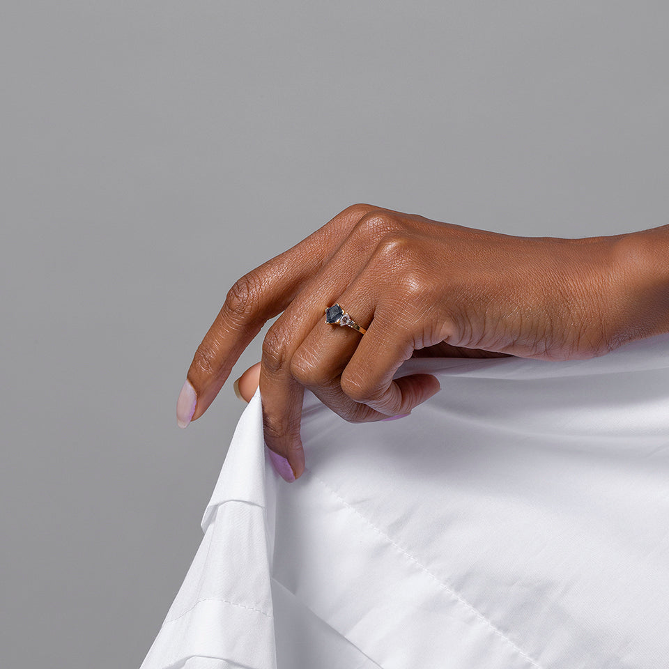 product_details::Edge Ring on model