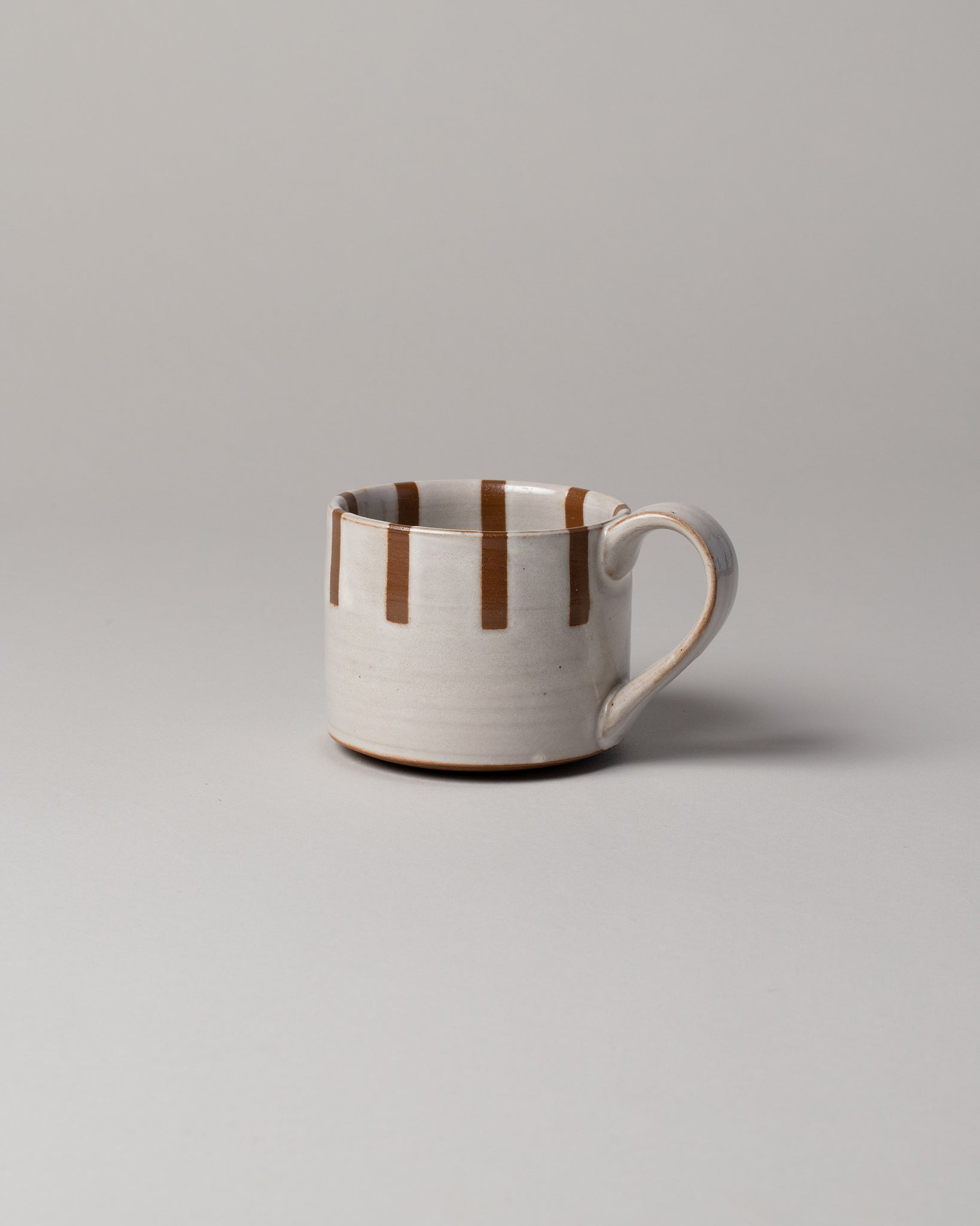 Half Striped Mug Brown