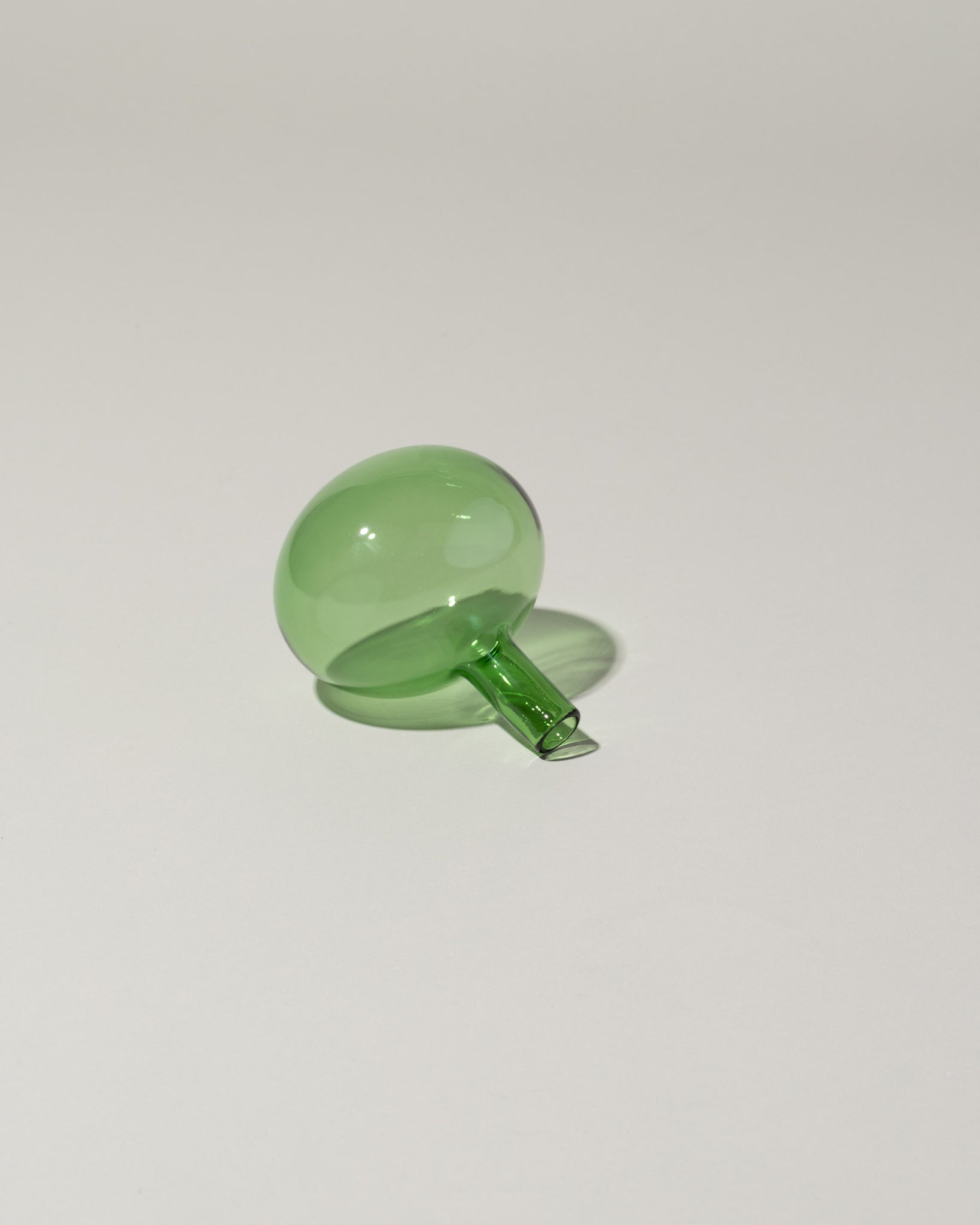Laurence Brabant Entracte Wine Bottle Stopper Green side view