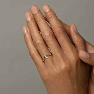 Mini Peak Ring with Reverse Set Diamond