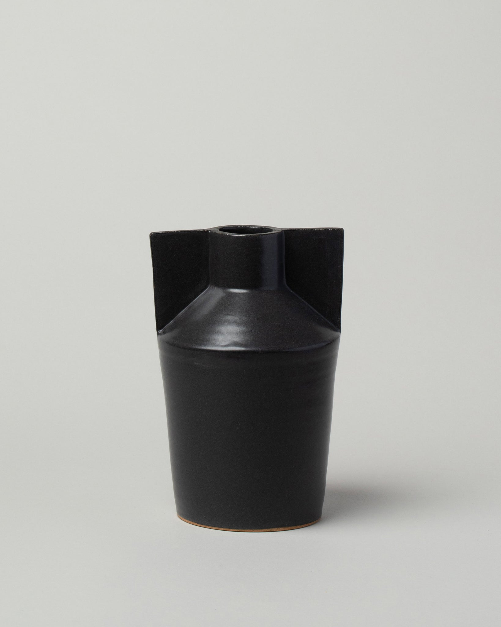 Wing Vase black front view