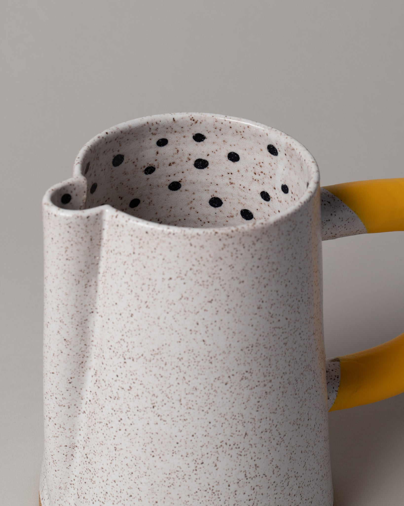 Dot Pitcher Yellow Closeup