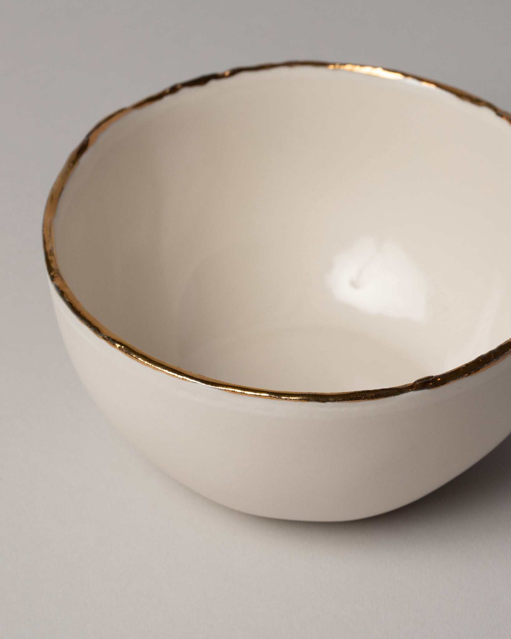 Edge Serving Bowl Ivory Closeup