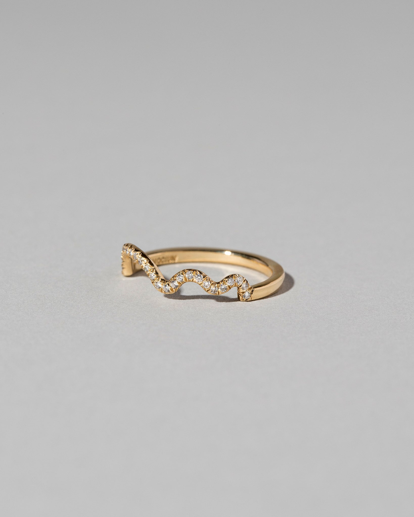 Squiggle Pave Band side view