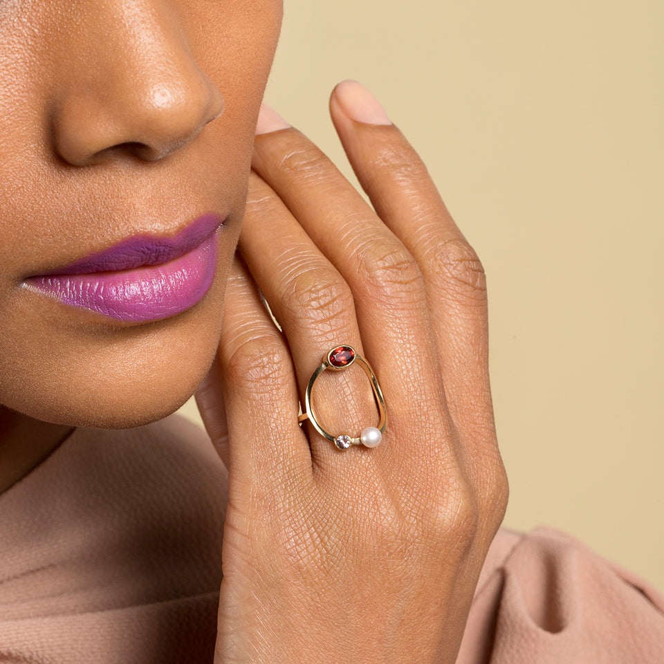 product_details::Trilogy Ring Garnet