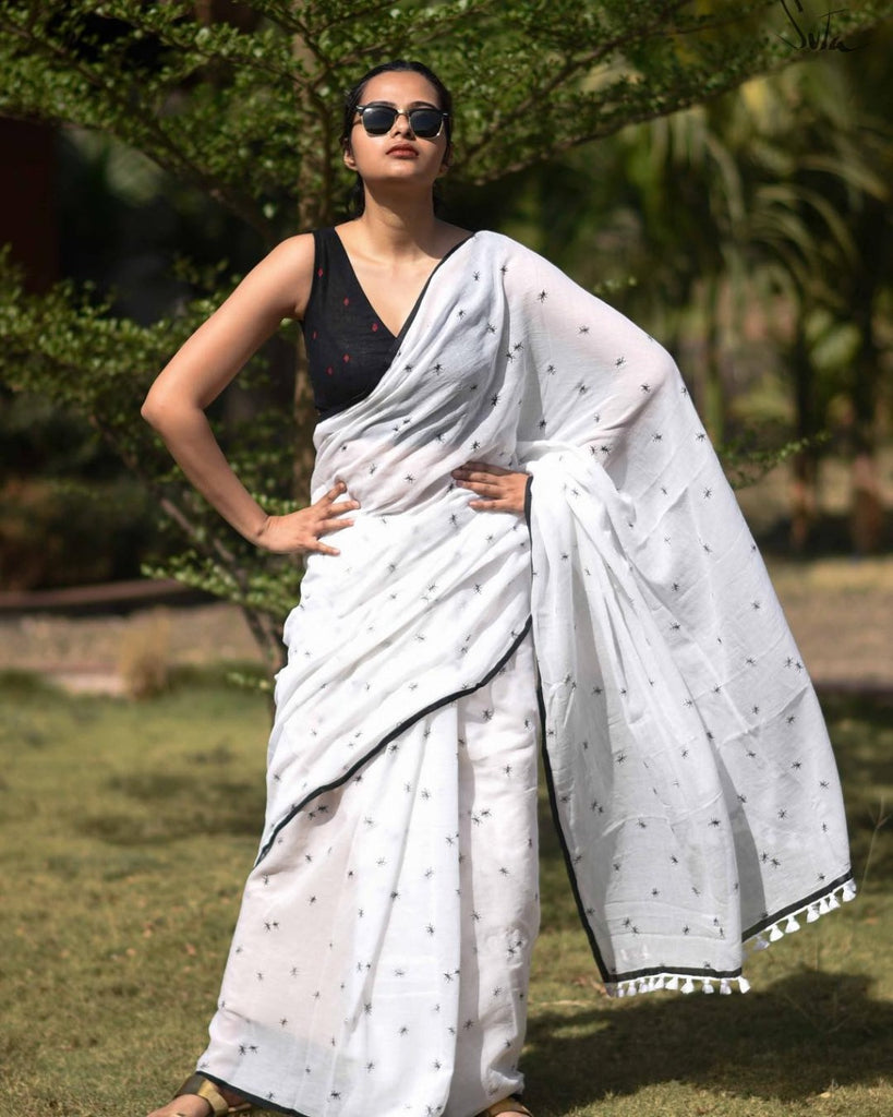 Exceptional White And Black Colored Party Wear Printed Pure Linen Saree
