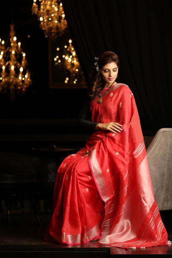 Energetic  Red Colored Festive Wear Linen Saree