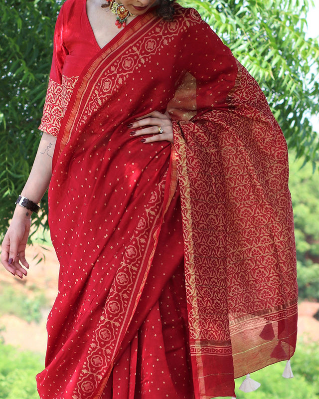 Pleasant  Red Colored  Festive Wear Printed  Pure Linen Saree