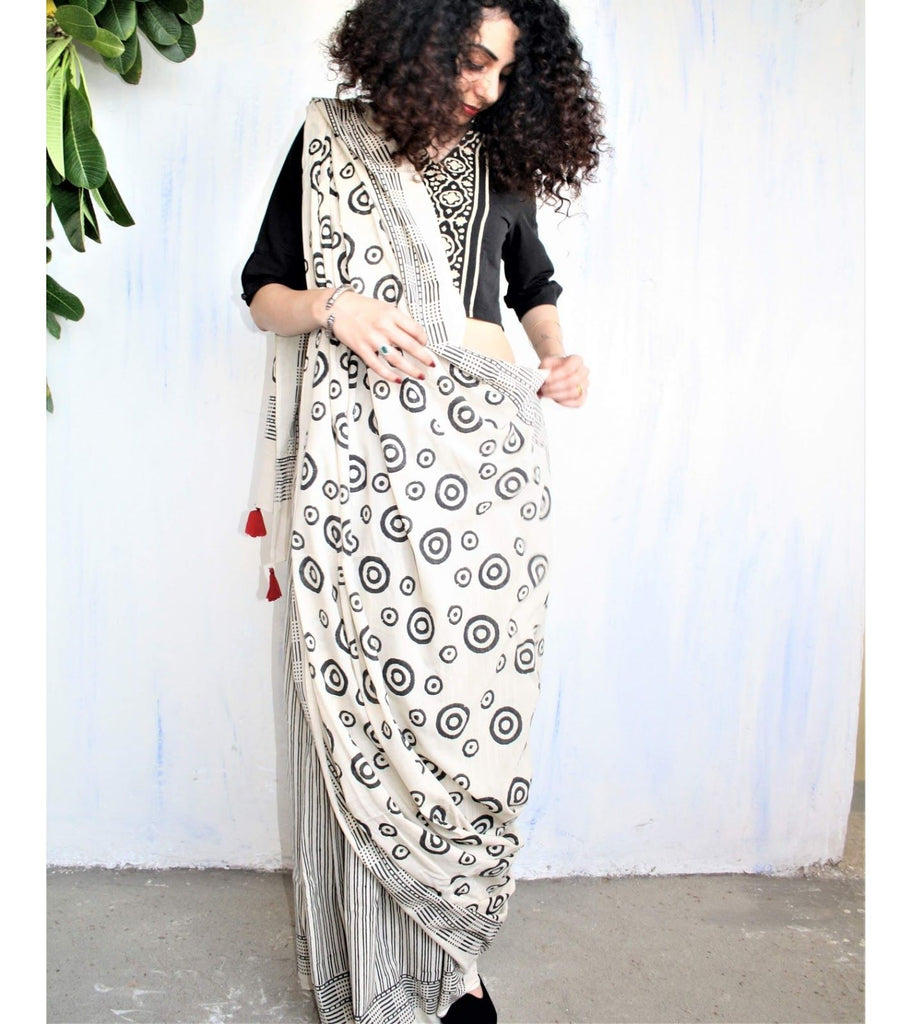 Refreshing White And Black  Colored  Festive Wear Printed  Pure Linen Saree