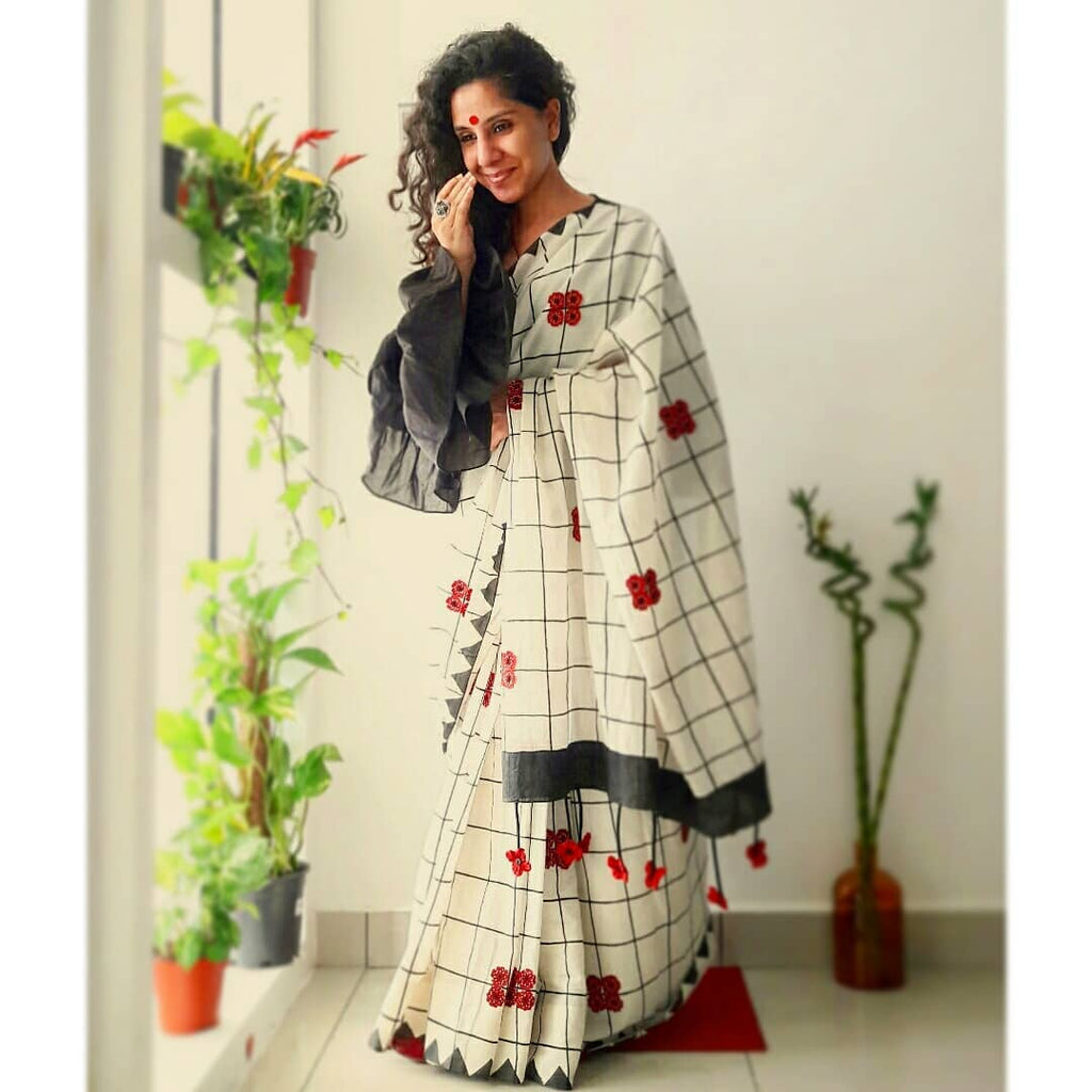 Hypnotic Grey And Off White Colored  Festive Wear Printed  Pure Linen Saree