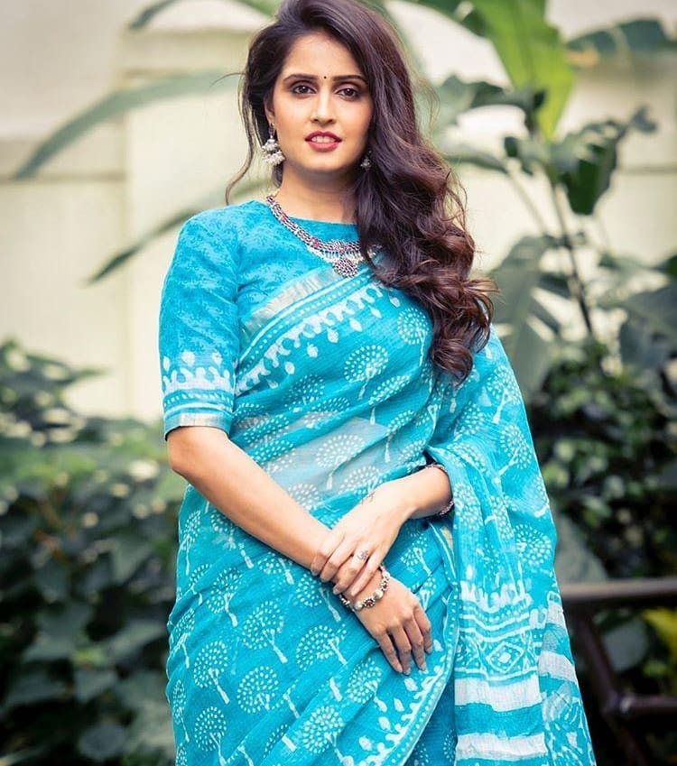 Trendy SkyBlue Colored Printed  Pure Linen Saree For Women