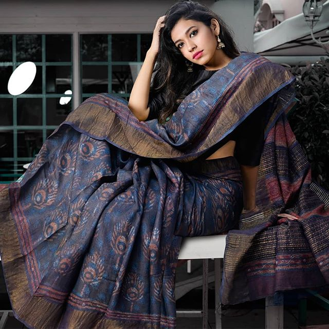 Wonderful Grey Colored Printed  Pure Linen Saree For Women