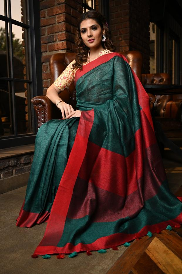 Blooming Women's Green And Red Colour Pure Linen Saree With Blouse Piece