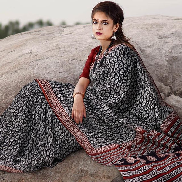 Radiant Black And Red  Colored Party Wear Pure Linen Printed Saree