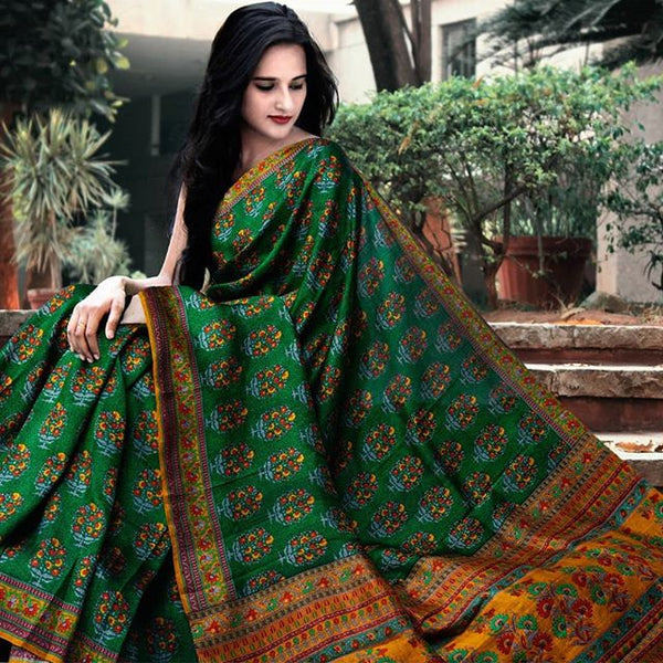 Breathtaking Green And Yellow  Colored Party Wear Pure Linen Printed Saree