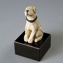 Load image into Gallery viewer, Small ceramic sculpture of a yellow Labrador dog